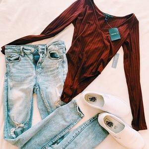 maroon body suit ✰